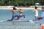 sup-stand-up-paddleboard-yoga-at-ala-moana-16