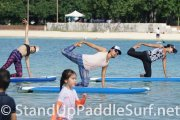 sup-stand-up-paddleboard-yoga-at-ala-moana-18
