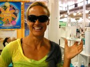 anna-mathisen-at-the-2010-hawaii-spring-new-products-show